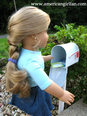 Elizabeth getting the mail1