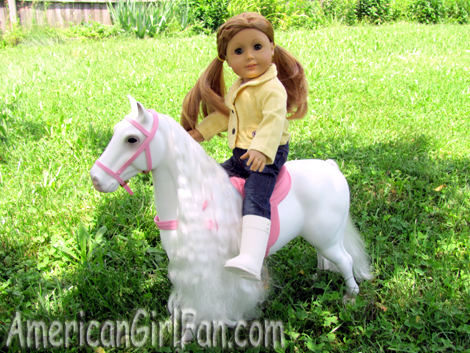 Mia on the horse