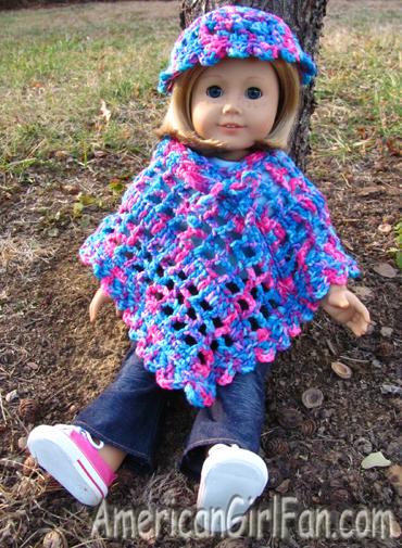 Kit with MamaLisas Poncho and hat