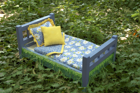 Daisy Dreams Bed