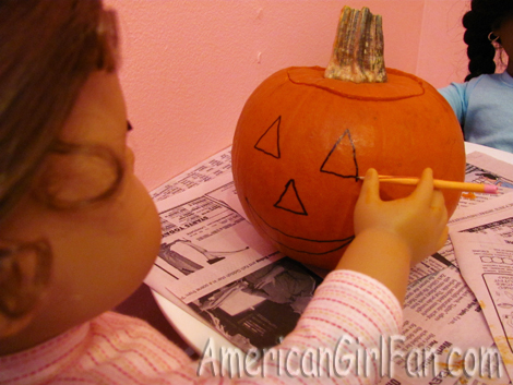 Drawing the pumpkin face