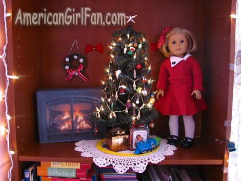 Close up of BookCase Christmas Scene 2