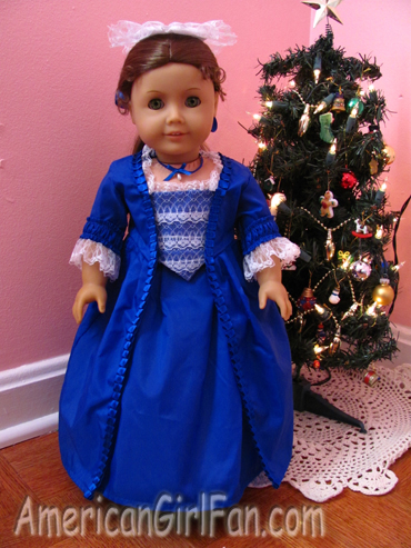 Felicity wearing Christmas Dress1