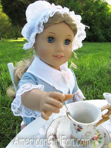 Elizabeth stirring tea3