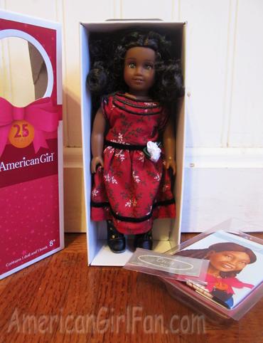 Mini Cecile with book and sticker