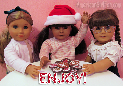 Dolls with cookies