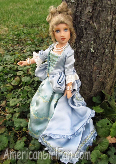 Cecile Girls of many lands doll2