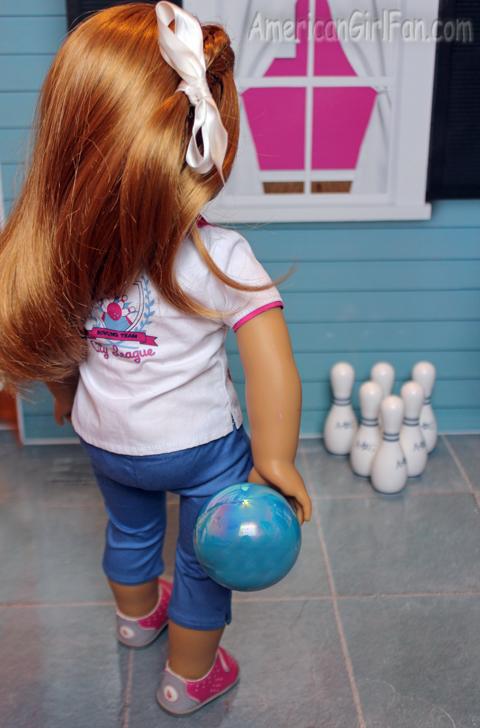 Mia bowling