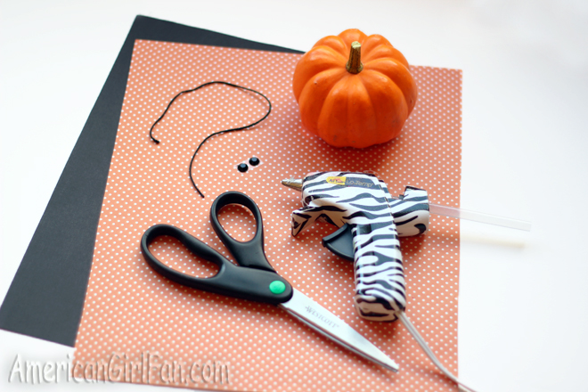 How To Make A Kitty Pumpkin For Dolls (via AmericanGirlFan.Com Click through for tutorial)