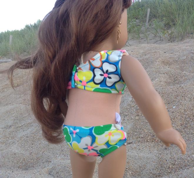 messy-girls-in-bikini