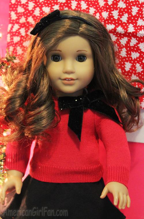 Rebecca outfit closeup
