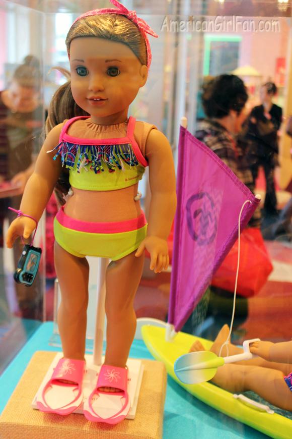 Girl of the Year 2016 Lea Clark Swim Set