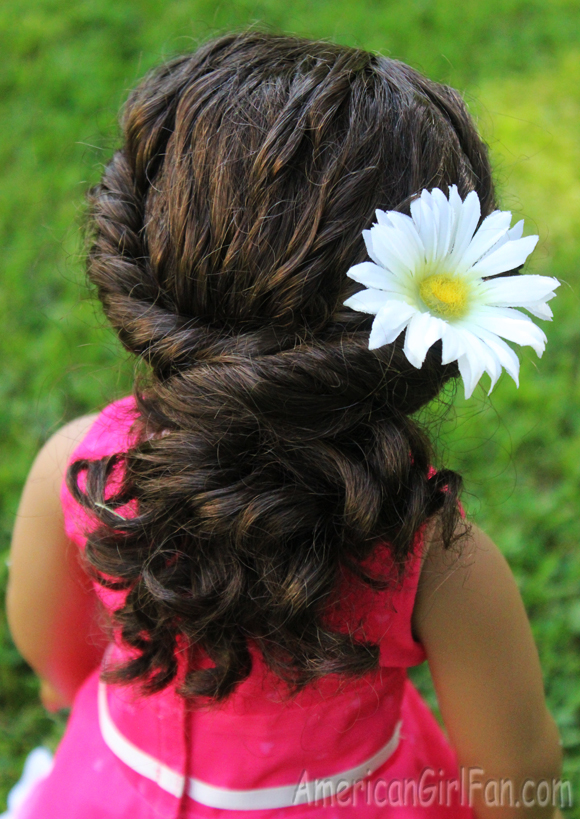Doll Hairstyle Twisted Ponytail For Curly Hair